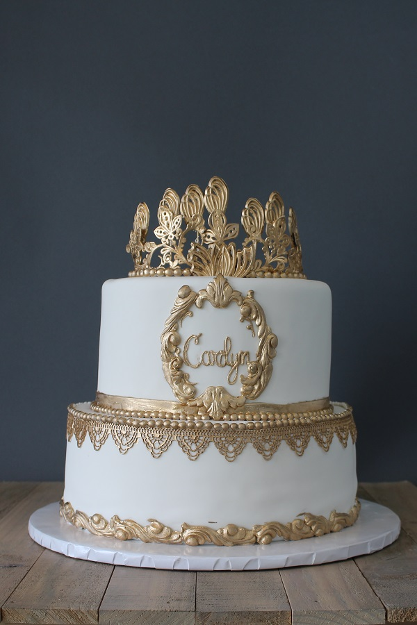 White And Gold Fondant Cake Johnson S Custom Cakes
