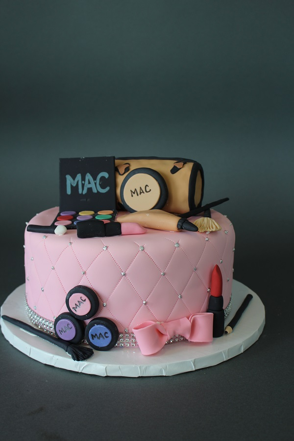 Makeup Themed Birthday Cake Johnsons Custom Cakes