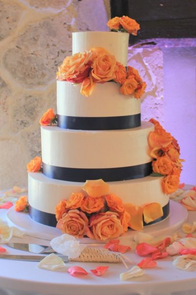 peach and blue buttercream wedding cake